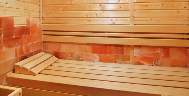 Salt infrared sauna
